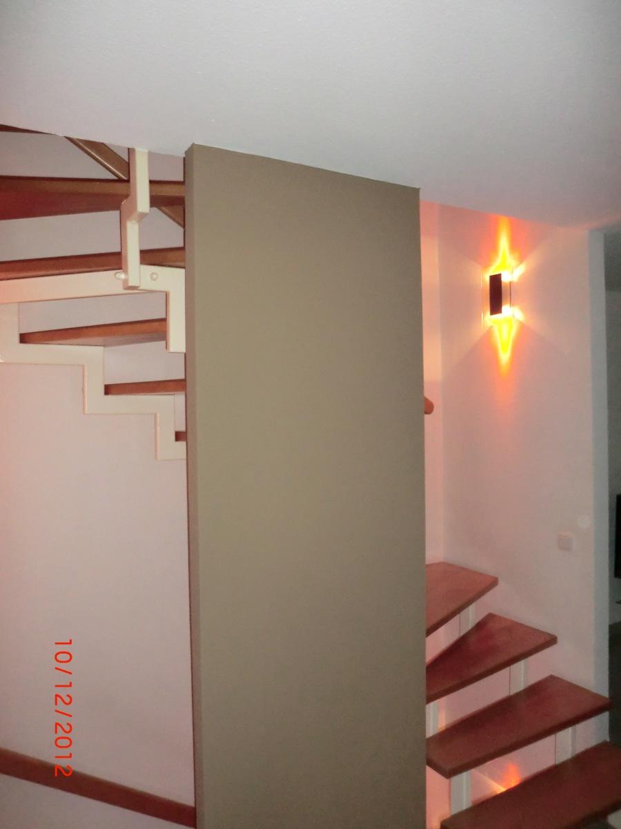 kundin ist schon zufrieden bevor die arbeiten. Black Bedroom Furniture Sets. Home Design Ideas