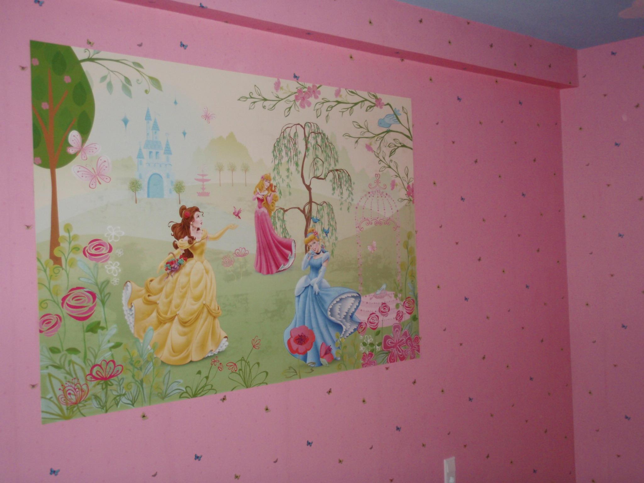 Kinderzimmer Tapete Schmetterling : Wandfl?chen vorbereitet, Makkulaturtapete, Tapete Schmetterling