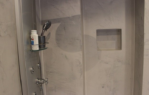 Fugenlose, moderne Designs für Bäder, Duschen, Böden ...