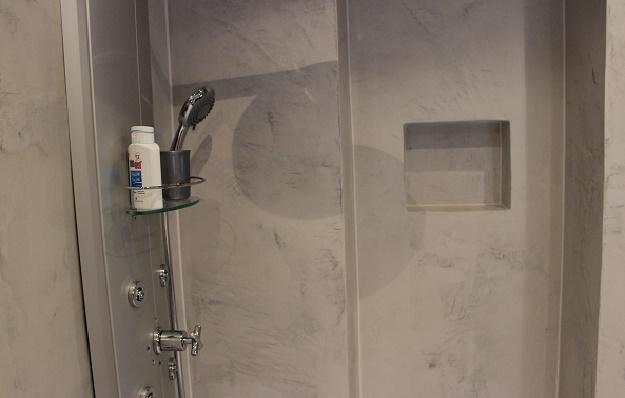 25. Februar 2015 Designs Für Bäder / Fugenlose Bad  Dusch Wand  Und  Bodengestaltung